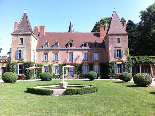 Chateau de Vaulx, Pet friendly, burgundy france