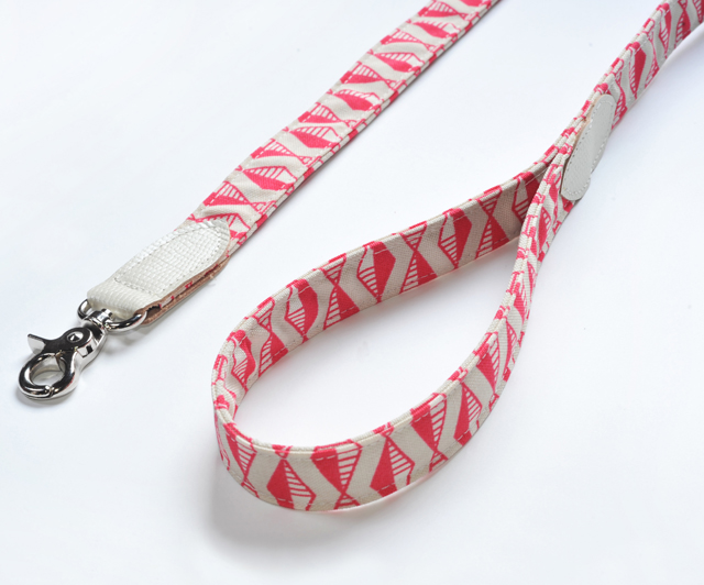 Classic Dog Lead in Flamingo Pink - £33.50