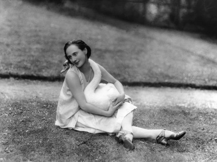 Anna Pavlova with Jack, 1927