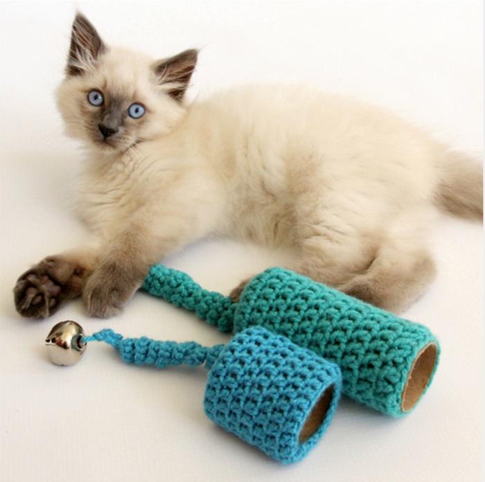 DIY CROCHET CAT TOY