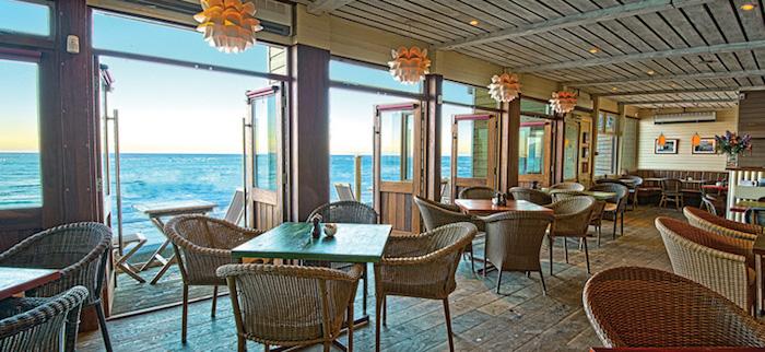 dog friendly beach hut restaurant cornwall